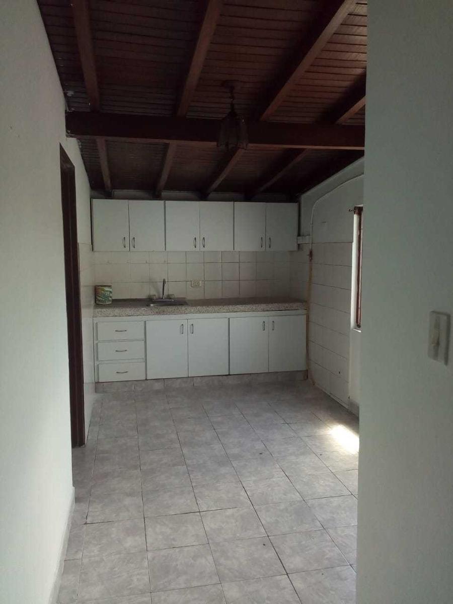 arriendo apt. 4 hab 4 baños, sala cocina, lavadero y garaje.