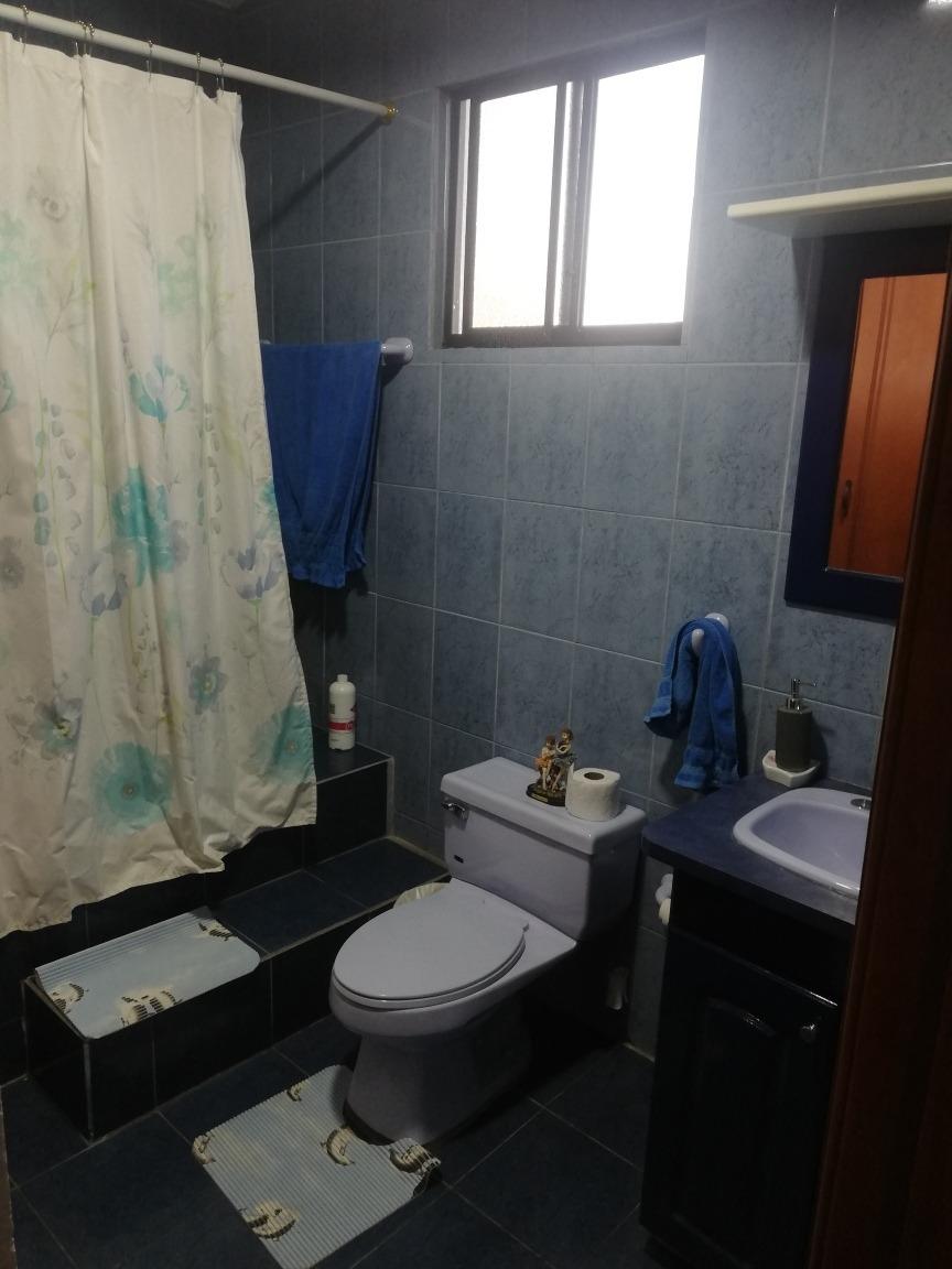 arriendo casa 3 dormitorios, sala, comedor, cocina, estudio,