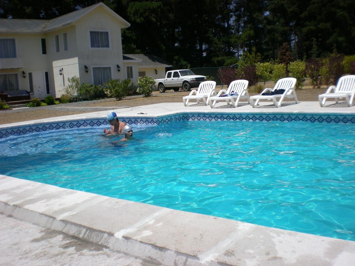 Arriendo casa parcela algarrobo piscina en for Casas con piscinas fotos