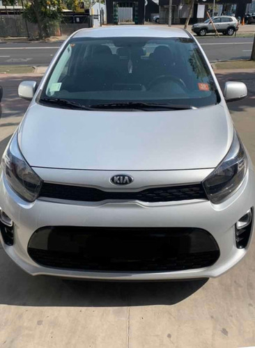arriendo de auto kia morning