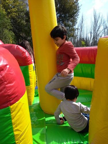 arriendo de inflables+taca-taca...aumenta la diversión