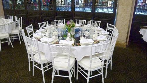 arriendo de sillas y mesas para eventos