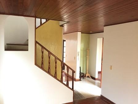 arriendo espectacular casa en santa helena de chia
