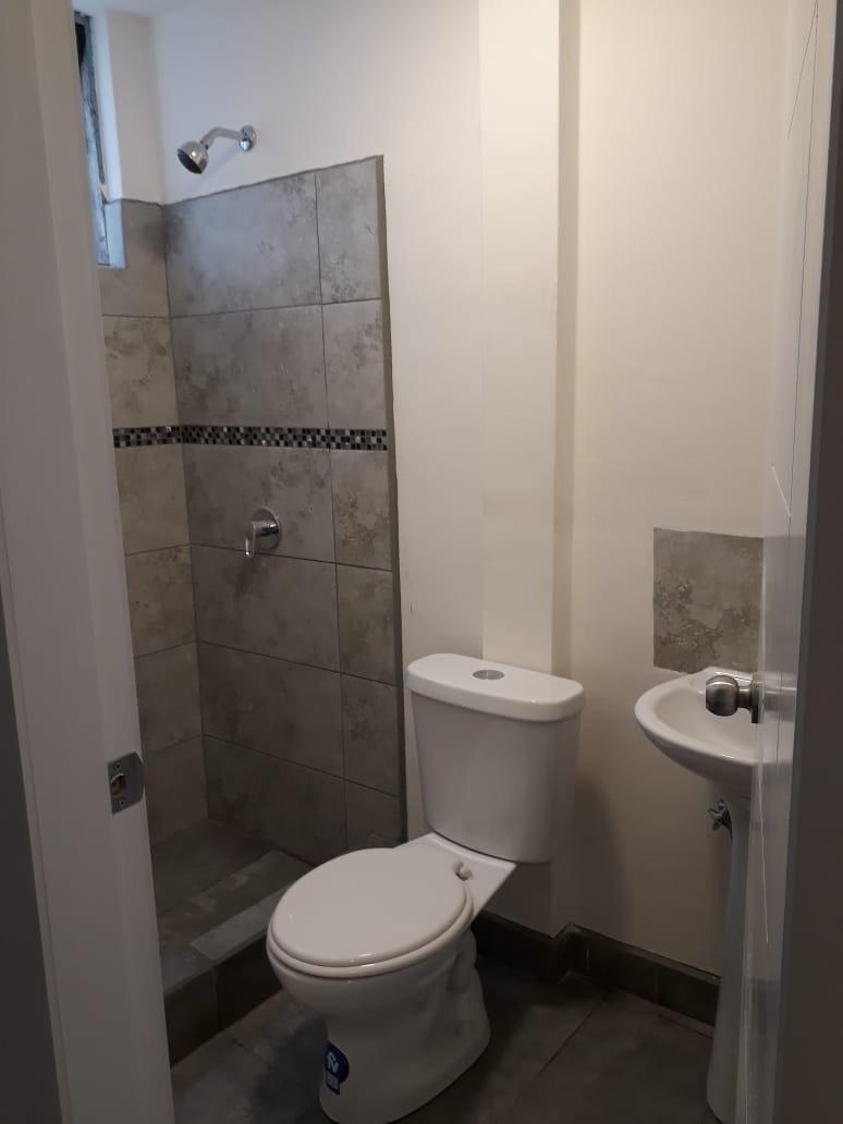 arriendo habitaciones con baño privado - universidad central