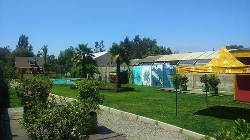 arriendo hermosa parcela con piscina, quinchos, baños