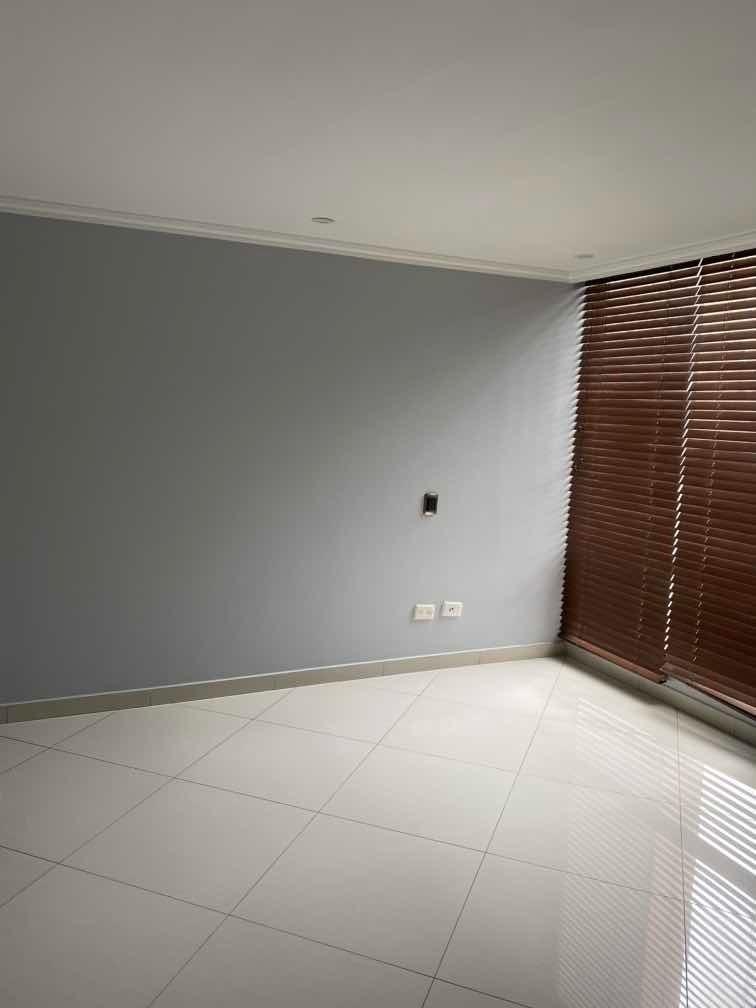 arriendo hermoso y amplio apartamento