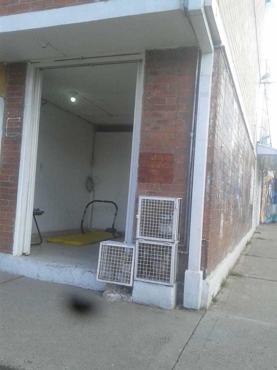 arriendo local $550.000 negociables barrio urapanes