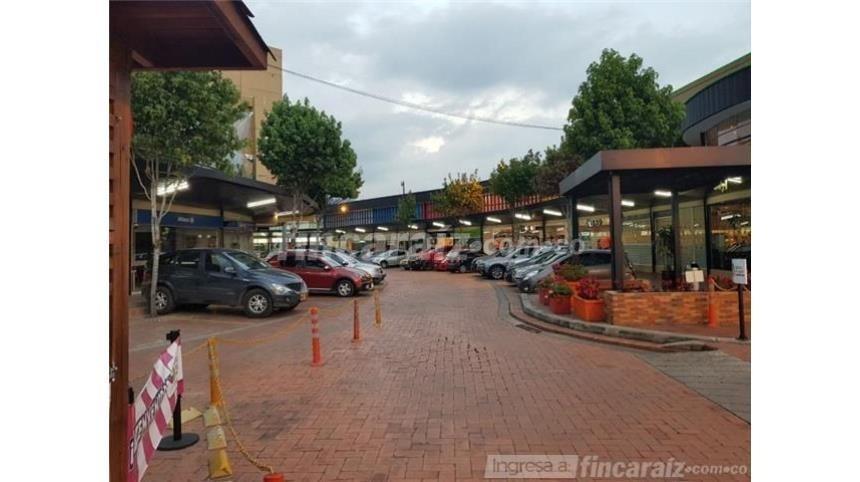arriendo local  centro comercial plaza mayor chia
