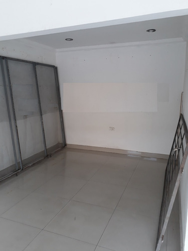 arriendo local maria auxiliadora