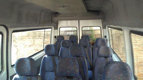 arriendo van con chofer  traslado de pasajeros