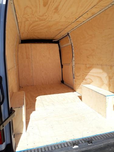 arriendo vehículos de carga furgones y camiones cerrados