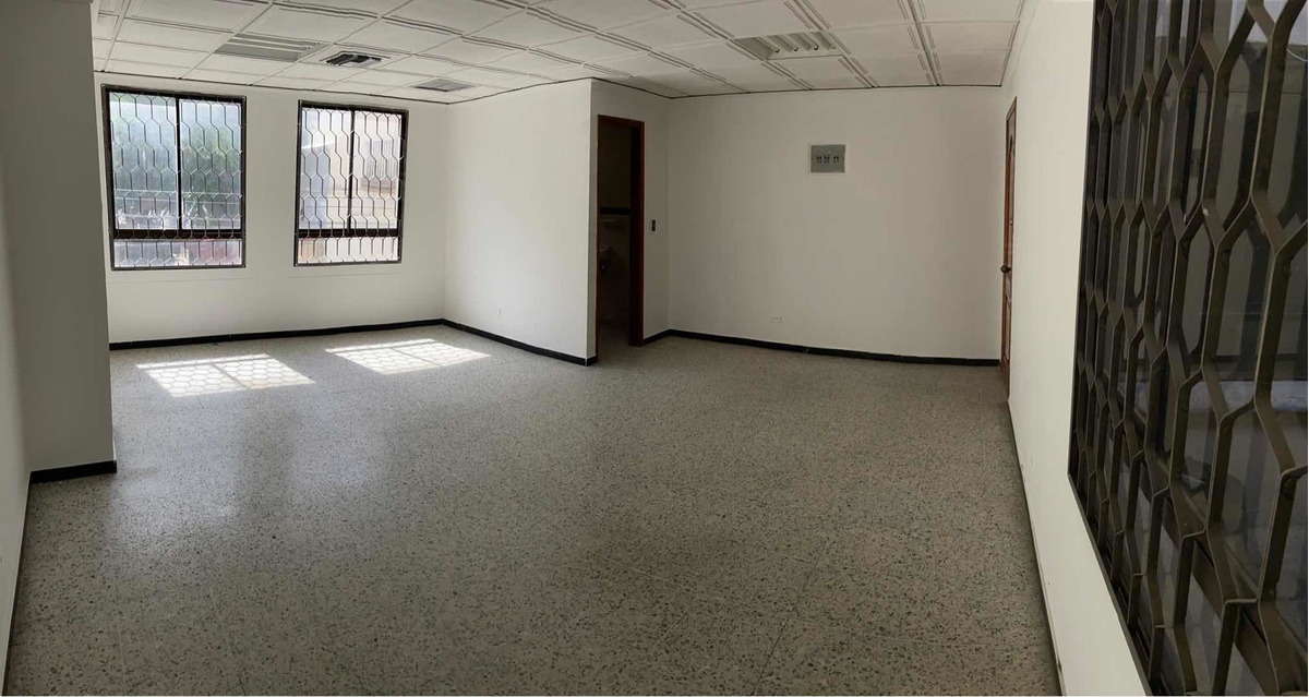 arriendo/vendo oficina en centro historico - 32 metros2