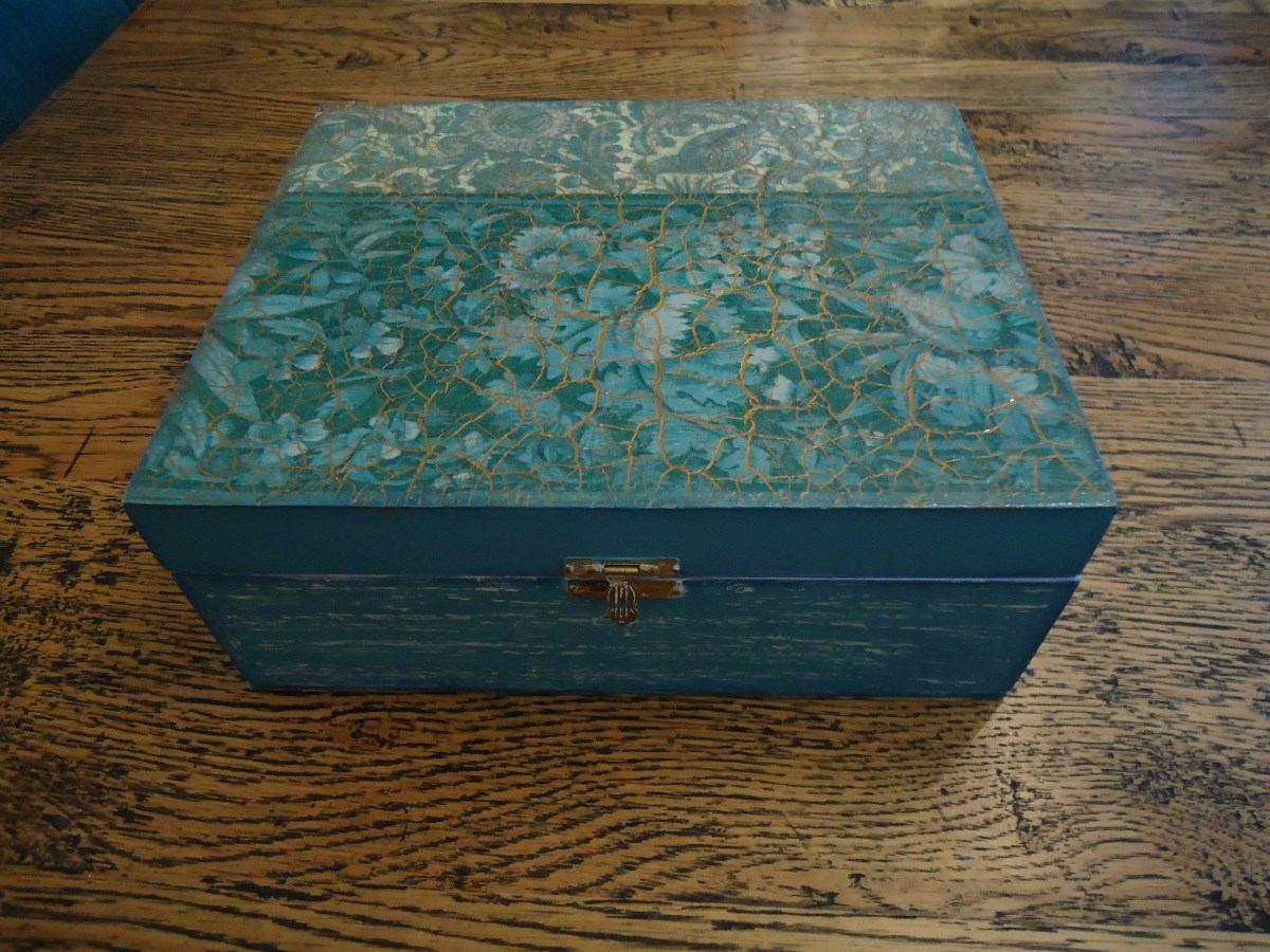 Arte artesanato caixa em mdf com pintura e decoupage linda - Pintura para decoupage ...