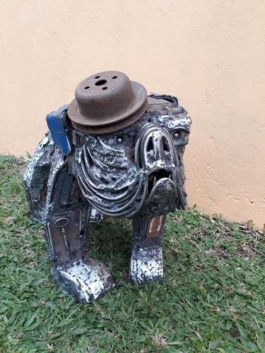 arte escultura hierro perro bulldog inglés. piesa única.