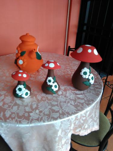 artesanía en barro hongos pequeños