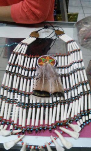 artesanias apaches, penachos, collares, arps con flechas