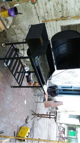 asador de calidad con tacho de 200lts reforzado