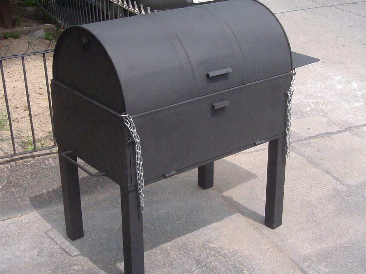 Asadores de carne argentino ahumador con horno ataud for Asadores para carne jardin
