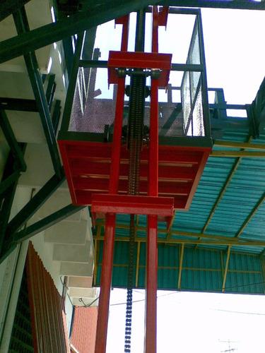 ascensor ascensores de carga imnovador, economico y robusto.