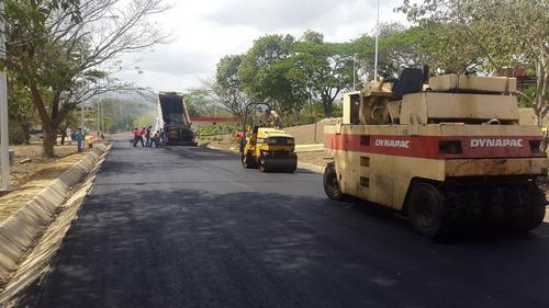asfalto. pavimentos. impermeabilización. canchas. obra civil