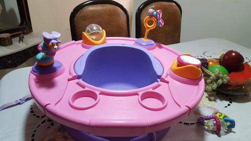 asiento para comer de bebé.
