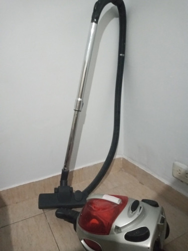 aspiradora renacer 1800 w