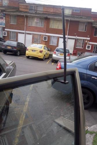 asta  bandera de colombia    (soporte para carro)