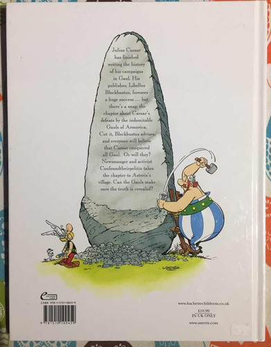 asterix and the missing scroll hardcover ( en inglés)