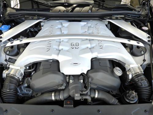 aston martin dbs 6.0 coupe v12 48v gasolina 2p automático