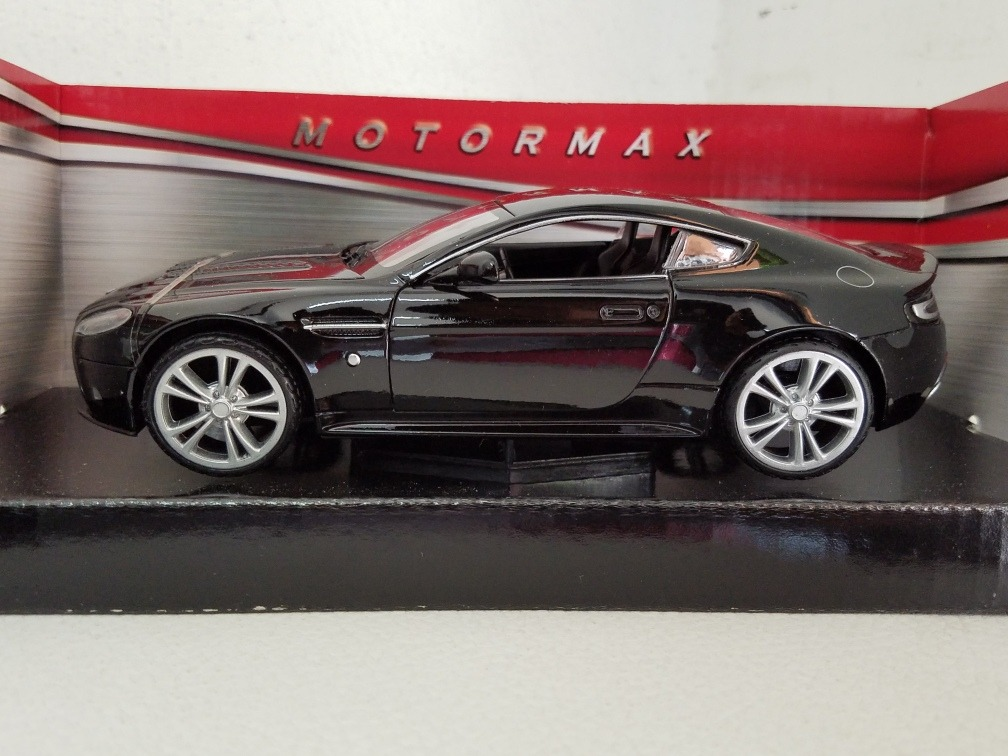 Aston Martin V12 Vantage Motormax Única Pieza