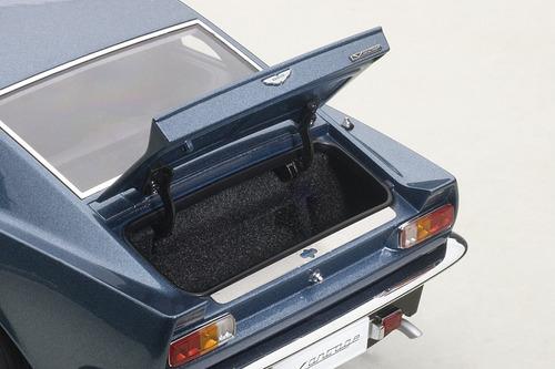 aston martin v8 vantage 1985 chichester blue