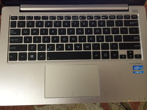 asus 11.6 pulg core i3 touchscreen laptop