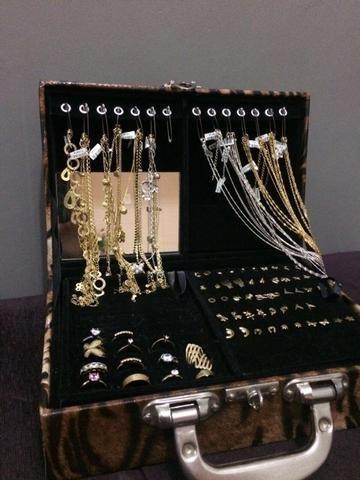 atacado kit 224 pçs semi-jóias folheadas + maleta