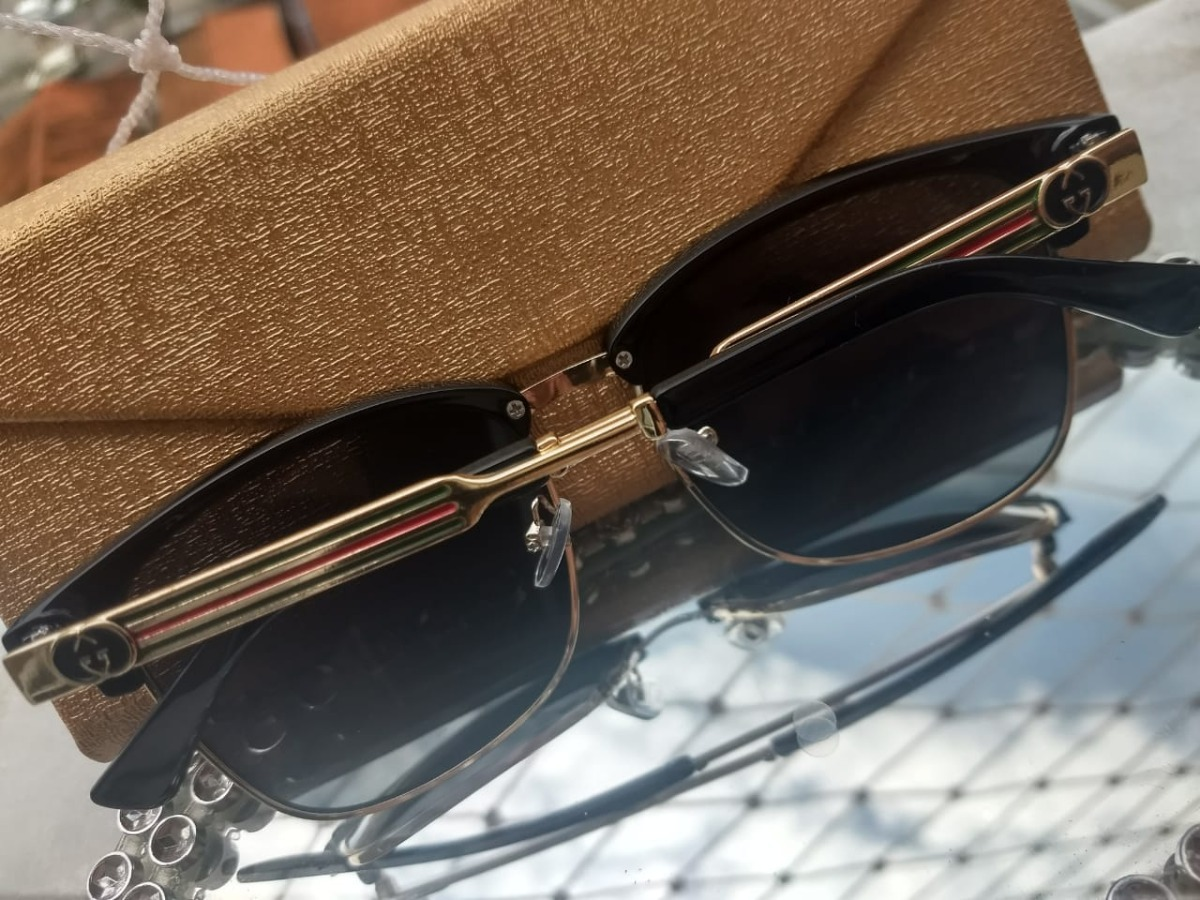 71bdc6a6465c1 Atacado Óculos De Sol 10 Peças Com Case E Flanela - R  330,00 em ...