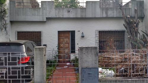 atencion constructores -terreno c/demolicion haedo sur a 1/2 cuadra de rivadavia y 7 de la estacion.