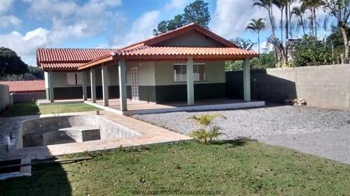 atibaia 3 dormitórios casa nova com piscina.