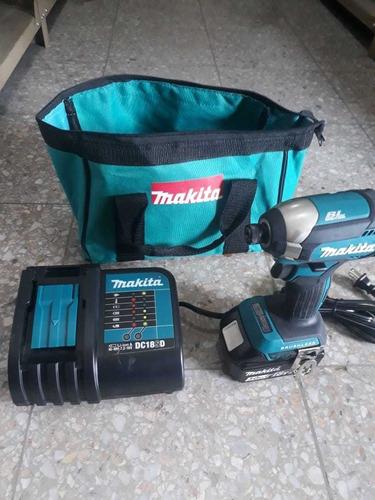 atornillador inalambrico makita, bateria 18v 3ah.