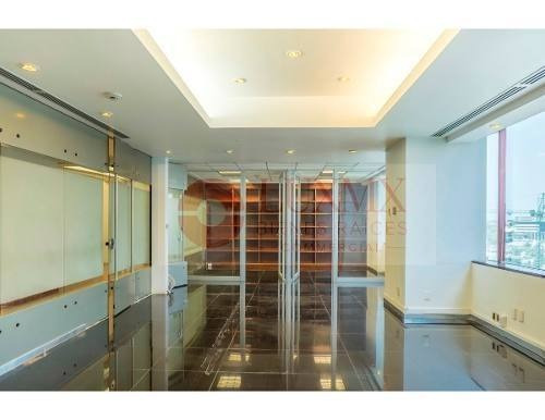 atractiva y lujosa oficina ejecutiva