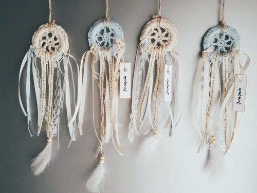 atrapasueños tejidos . souvenirs para celebrar tu vida!