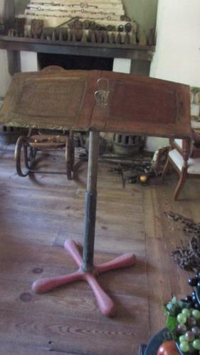 atril mueble antiguo para lectura