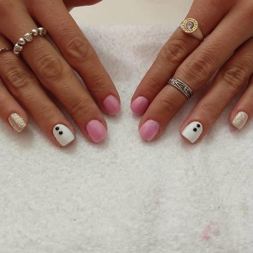 attractive nails manicuría