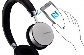 audífono pioneer bluetooth on ear se-mj561btsv
