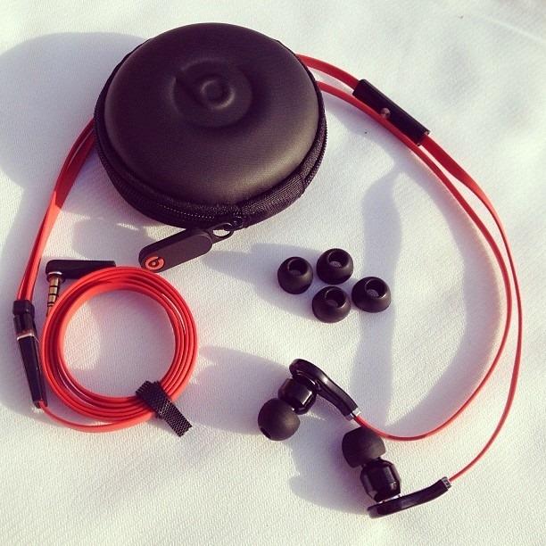 audifonos beats tour control talk - handsfree + estuche