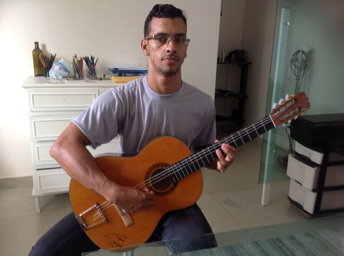 aula particular de música (canto e instrumentos musicais)