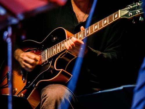 aulas de guitarra violão ukulele cavaquinho viola