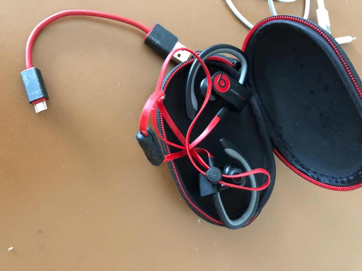 Auriculares Bluetooth Beats Usados Powerbeats2 - $ 5.000,00 on beats headphone blue, beats headphone design, beats headphone speakers, beats headphone parts, beats headphone control, beats headphone accessories, beats headphone dimensions,