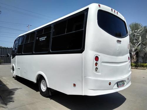 auto bus hino  2013