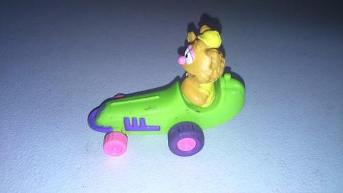 auto de tracción muppets babies, fozzie.