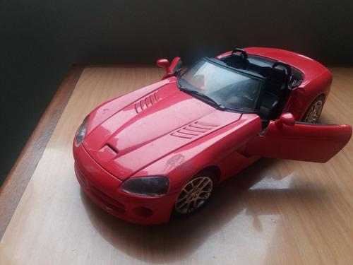 auto dodge viper roadster escala 1/18