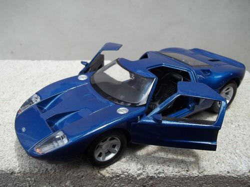 auto escala 1/24 motormax